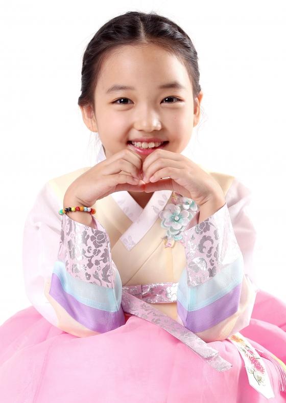 Choi Yoo-Ri (2009)