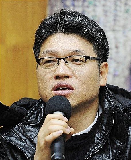 Hong Seok-Ku