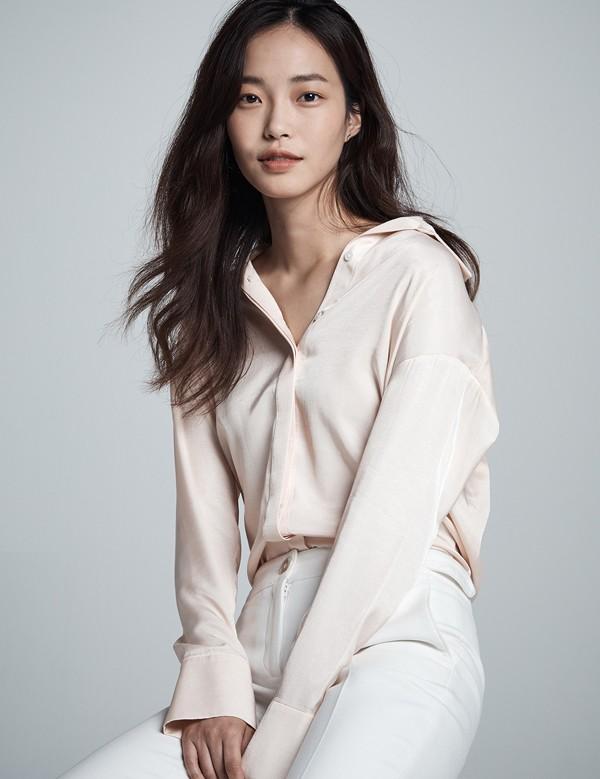 Hwang Se-On (1994)