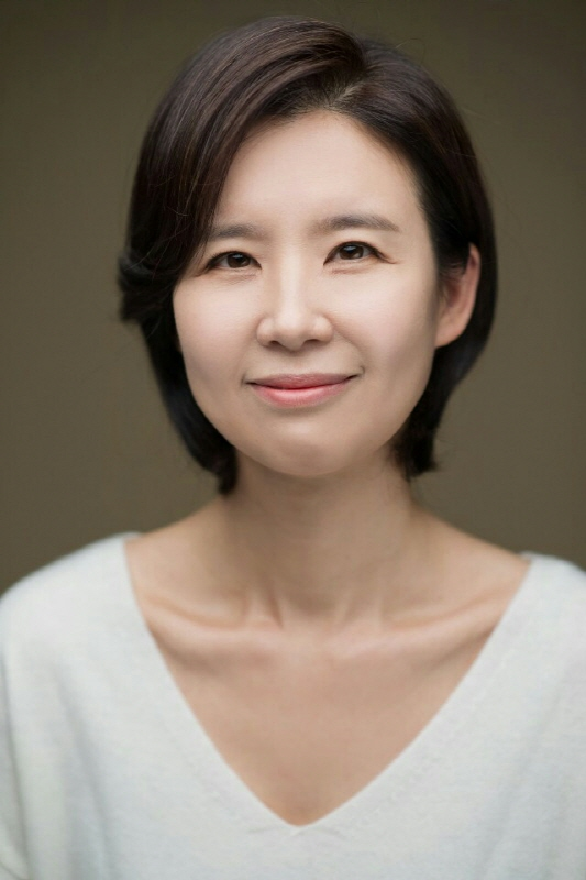 Lee Ji-Hyun (1972)