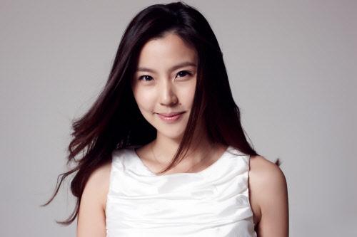 Lee Youn-Mi