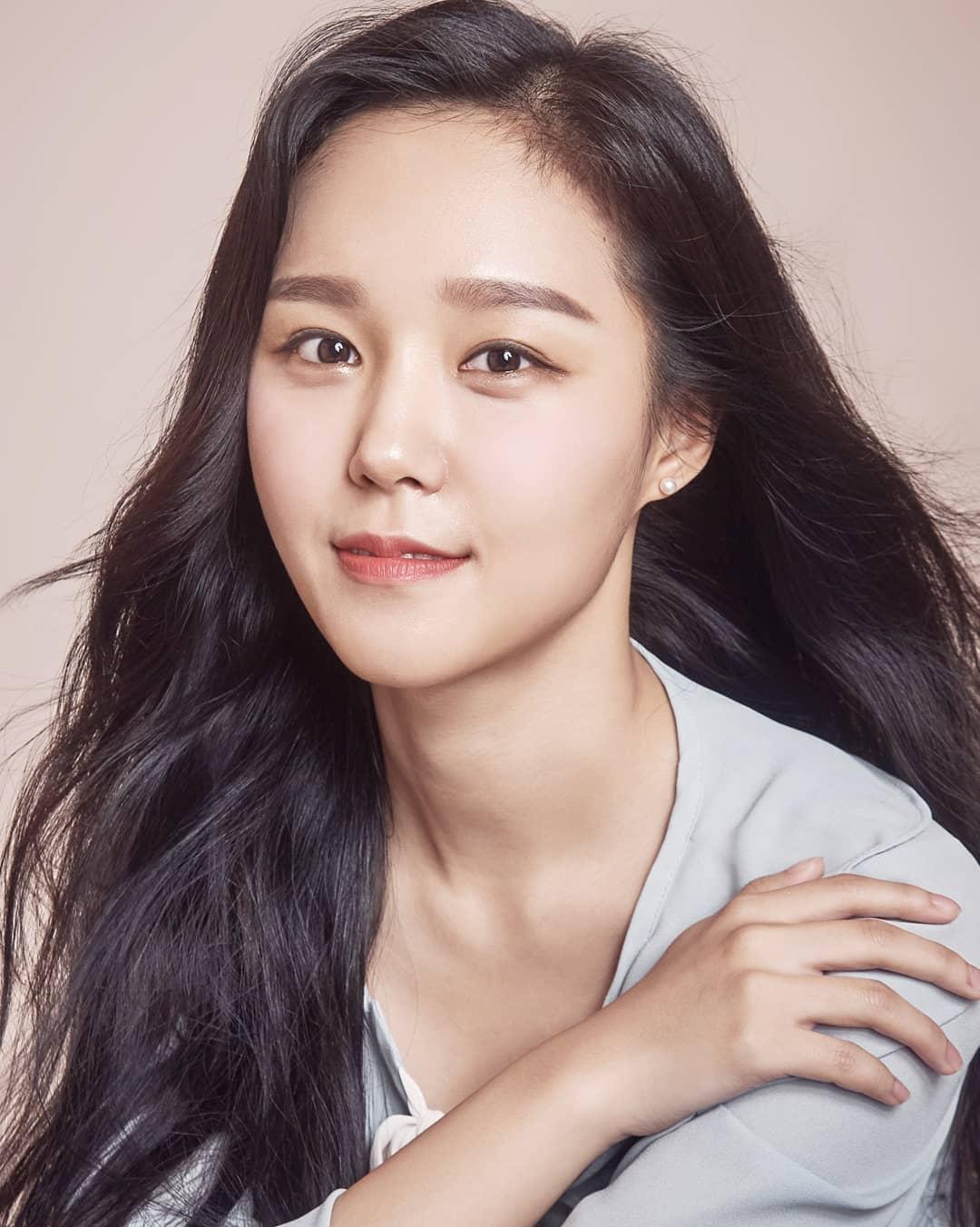 Seo Hee (1990)