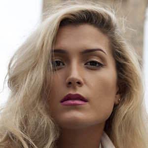 Amina Maz
