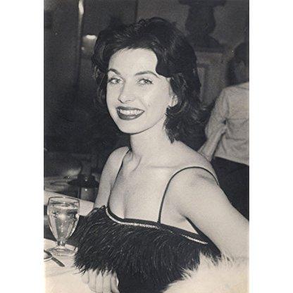 Carmen Phillips